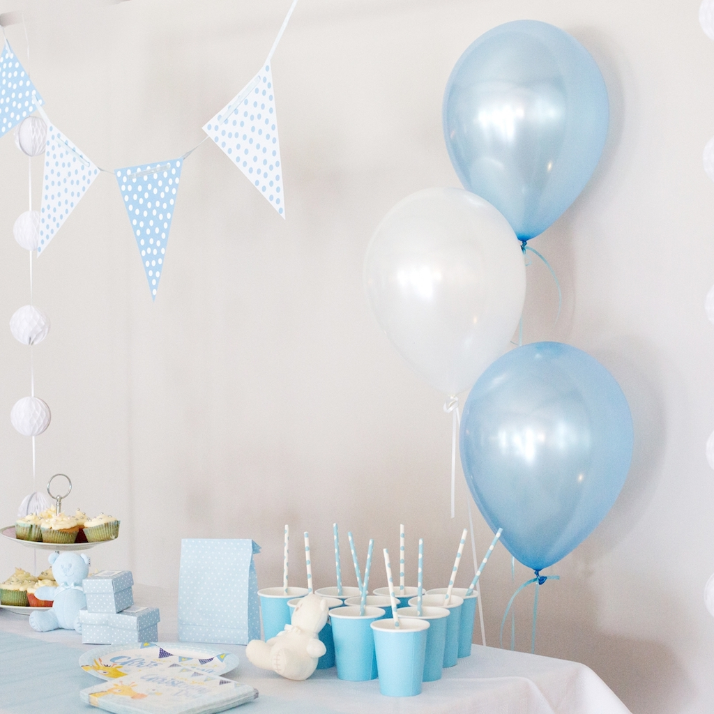 latex balloons bunting cups straws