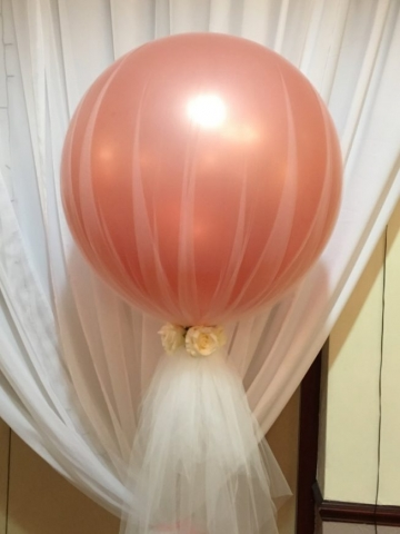 Giant balloon tulle rose gold floating balloon