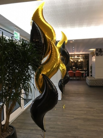 curves gold black Doubletree Hilton