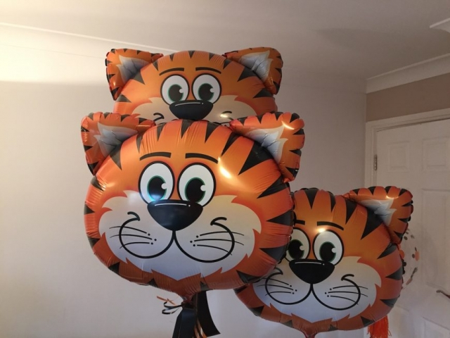 Tiger shape balloon