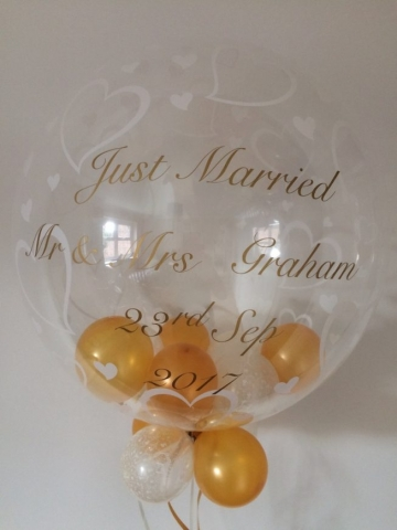 Just Married Heart bubble personalised gold ivory