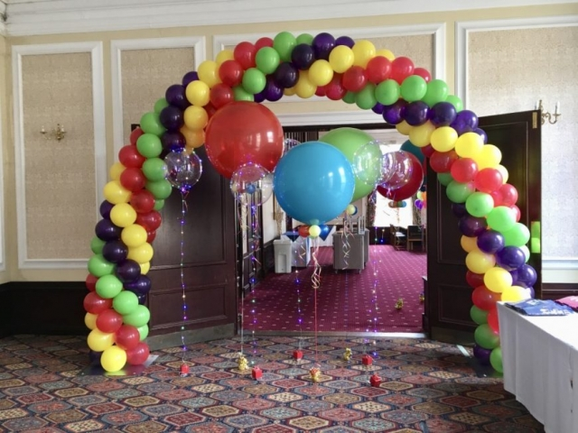 Greatest Showman balloon arch and assorted balloons
